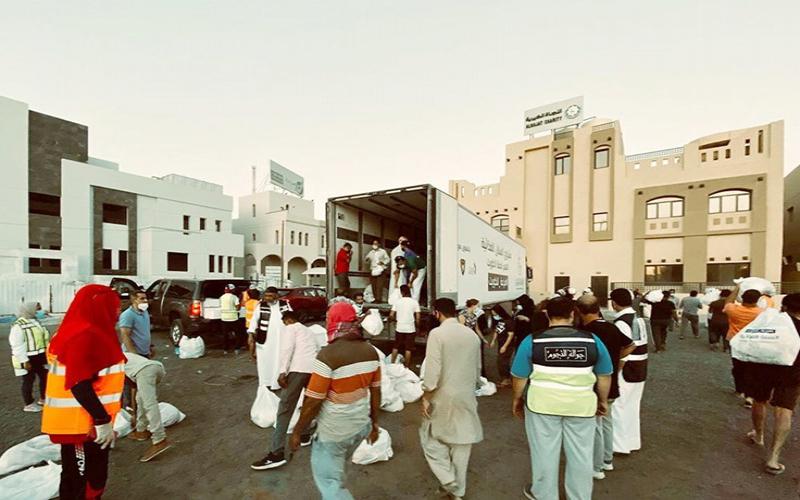 النوري الخيرية تدعم متضرري الجهراء بـ 2000 سلة غذائية